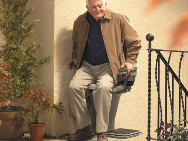 stannah-outdoor-stairlift640
